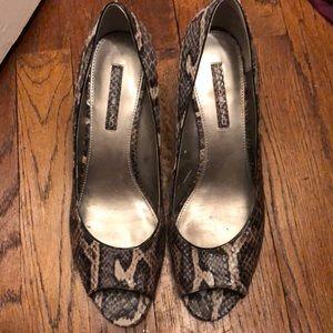 Open toe kitten heels!